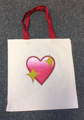tote bag with heart design