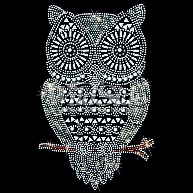 WHITE OWL STUDS